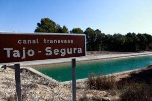 Crespo abronca al Gobierno por no cumplir con las sentencias del río Tajo